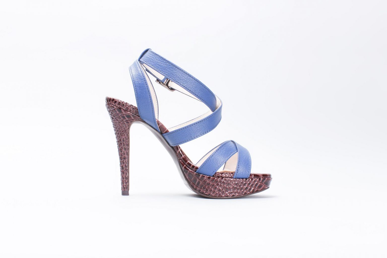 Single high heel sandal